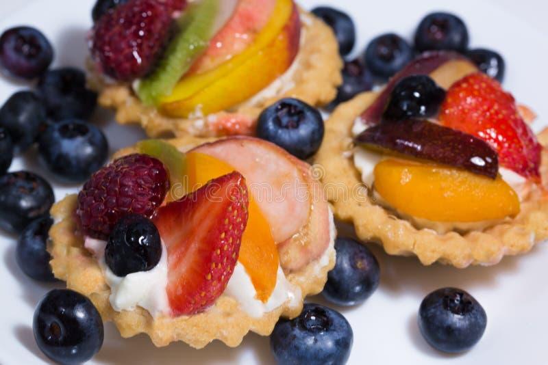 有机与乳蛋糕奶油的naturel健康果子馅饼和新鲜 库存图片