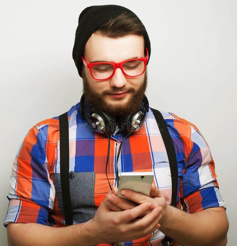 有机动性的年轻有胡子的人 库存图片