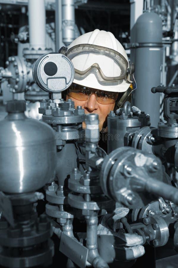 有机械的油和煤气工作者 免版税库存图片