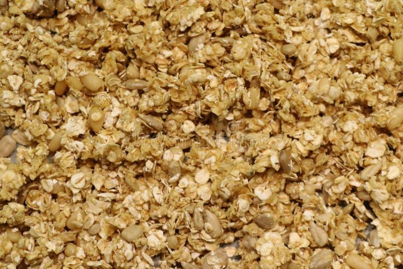 有机自创格兰诺拉麦片谷物用燕麦和杏仁 纹理燕麦粥格兰诺拉麦片或muesli作为背景 顶视图或平位置 复制 免版税库存图片