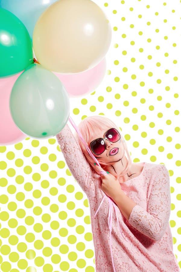 有构成的女孩仿照流行艺术和气球样式 色的b 库存照片