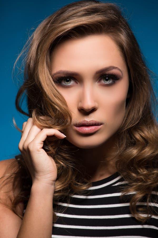有构成的白肤金发的美丽的妇女 库存照片
