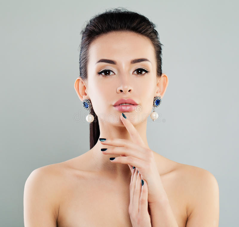 有构成的,修指甲美丽的式样妇女 库存图片