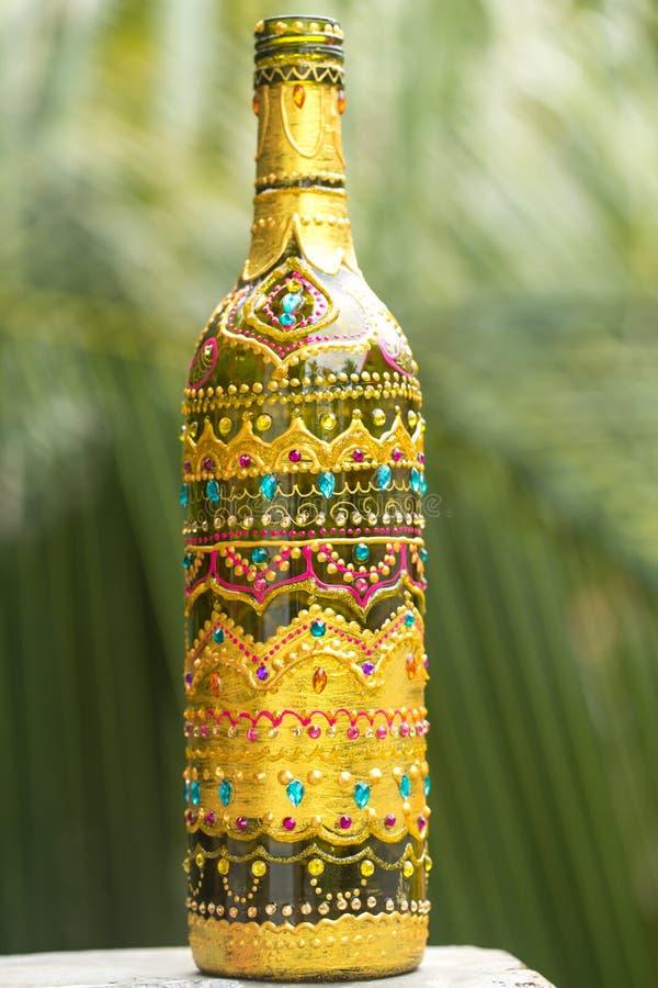 有样式的装饰玻璃瓶图片
