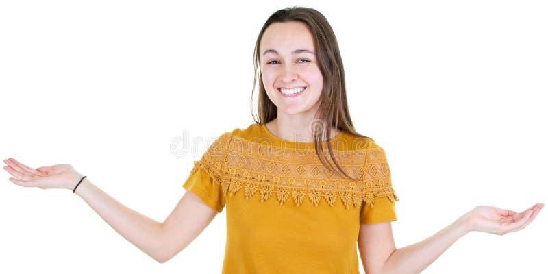 有棕榈的年轻女人提出两copyspace 库存照片