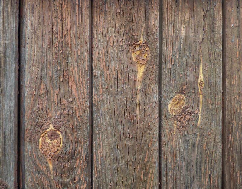 有棕色油漆和结踪影的老木板