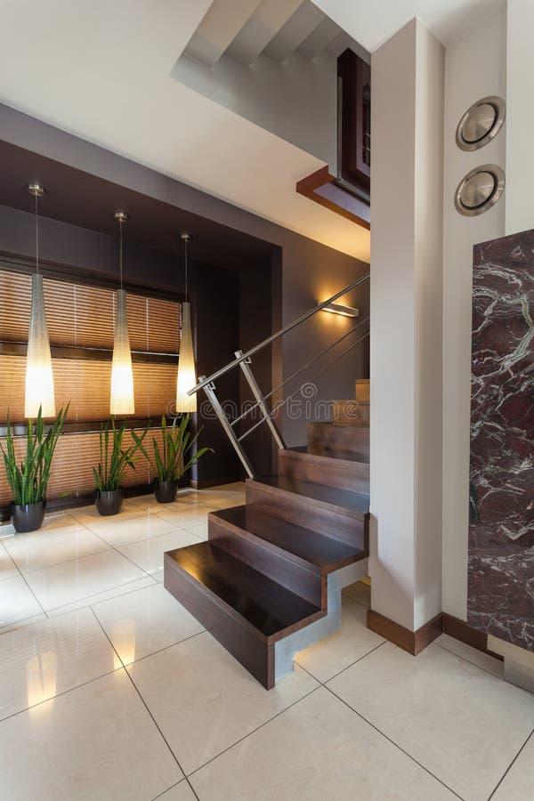 有楼梯的走廊 库存照片