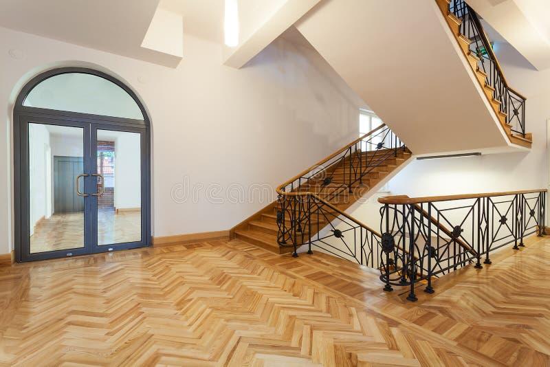 有楼梯的霍尔 库存照片