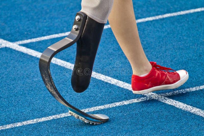 有残障短跑选手走 库存图片