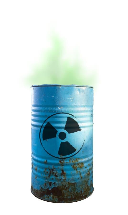 有毒废料被隔绝的蓝色桶 在桶的酸 当心  免版税库存照片