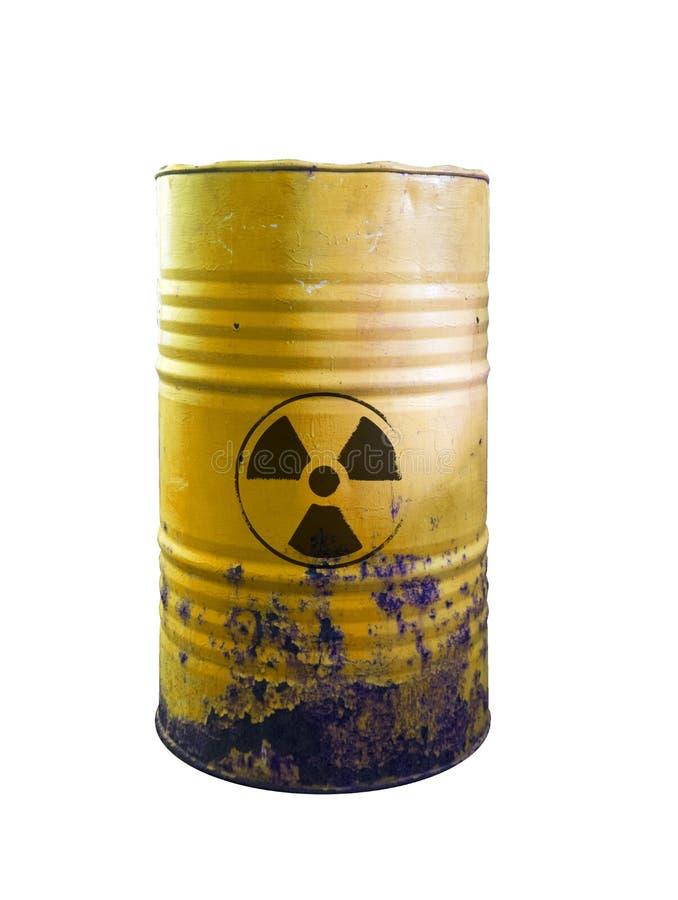 有毒废料被隔绝的黄色桶 在桶的酸 当心o 库存图片