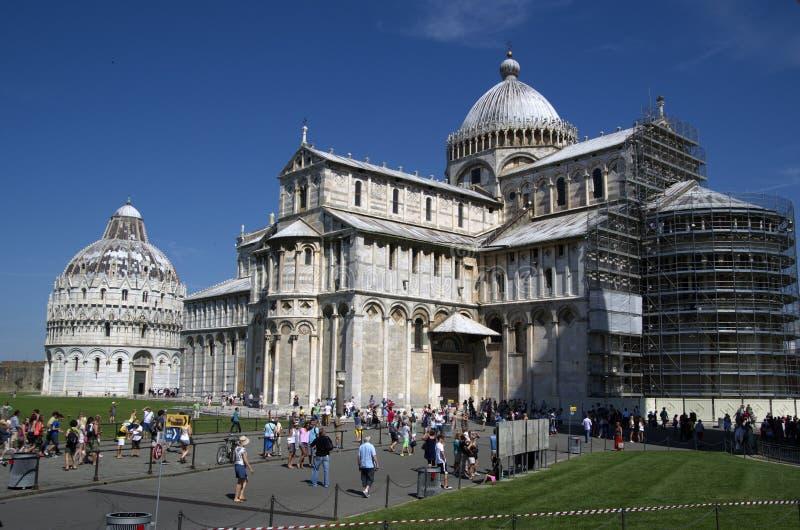 有比萨,意大利大教堂的奇迹广场  免版税图库摄影