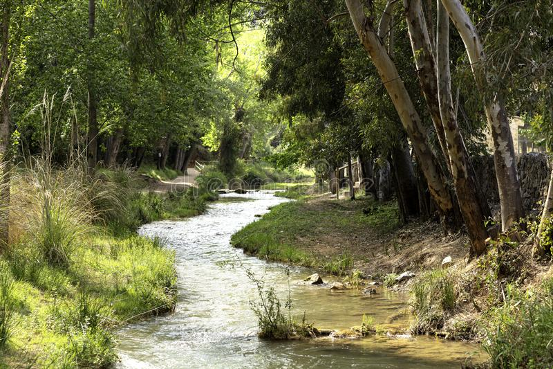 有河流动的水路线 图库摄影