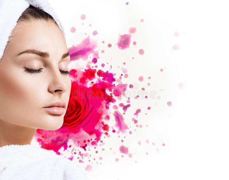 有油漆水彩红色玫瑰的美丽的妇女 库存照片