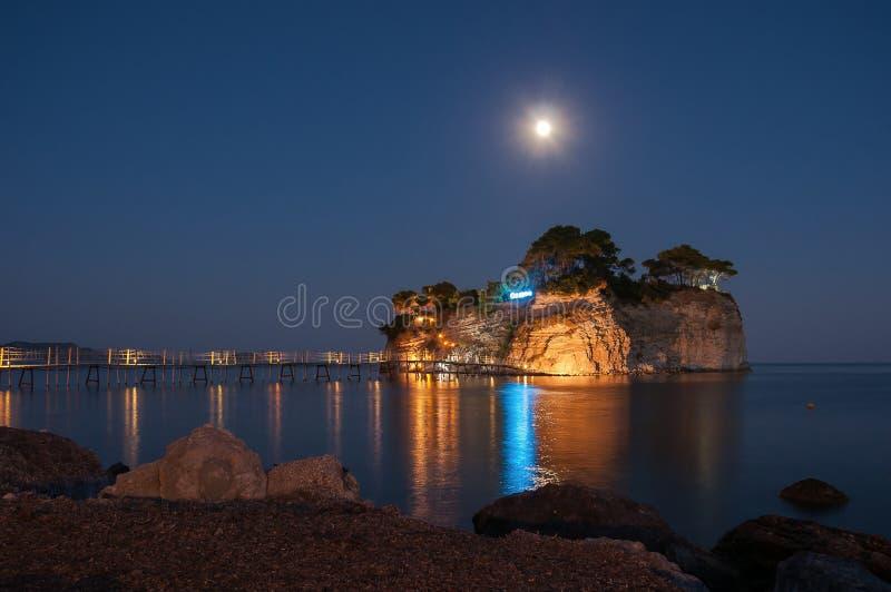 有浮雕的贝壳海岛在晚上, Zakynhtos,希腊 免版税库存图片