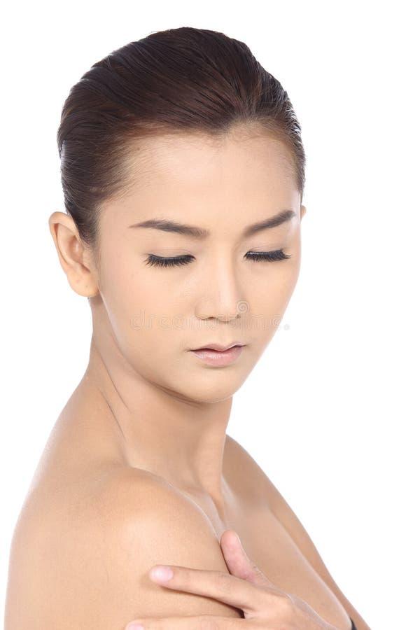 有温泉健康皮肤概念的美丽的亚裔妇女,整洁清洗 免版税库存照片