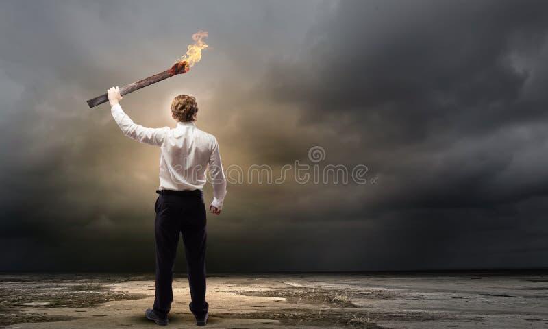 有火炬的人 图库摄影