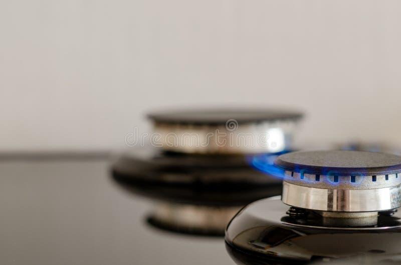有火焰的两个瓦斯炉 免版税库存照片