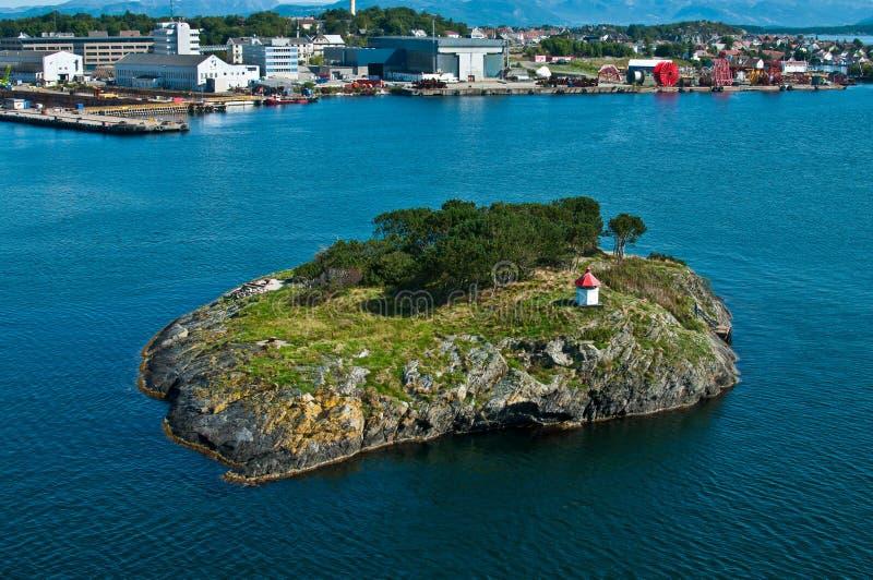 有灯塔的海岛 库存照片