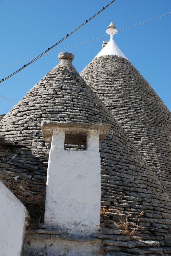 有烟囱的Trullo屋顶 库存照片