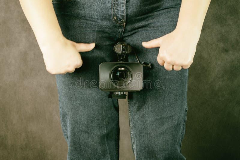 有照相机的专业摄影师 摄影和无固定职业的摄影师概念 免版税库存照片