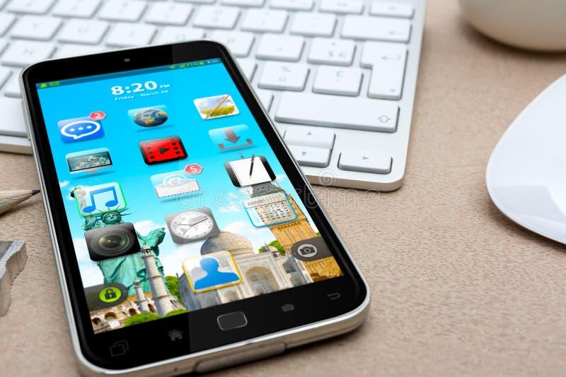 有现代手机的工作场所 皇族释放例证