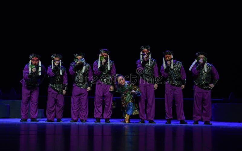 """有琐细孩子的北京Opera""""Yue teenager†投上阴影的你的意图重要 库存图片"""