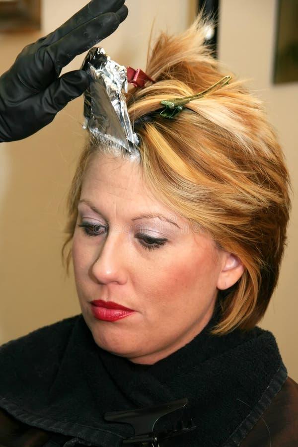 有白肤金发的色的头发妇女 免版税库存图片