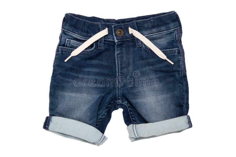 被隔绝的牛仔裤短裤 有白色丝带的时髦时髦的短的牛仔裤裤子在白色背景隔绝的儿童男孩的 免版税库存图片
