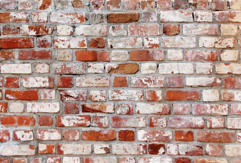 有白色和红砖的老砖墙 免版税库存照片