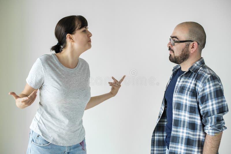 有白色的夫妇论据 图库摄影