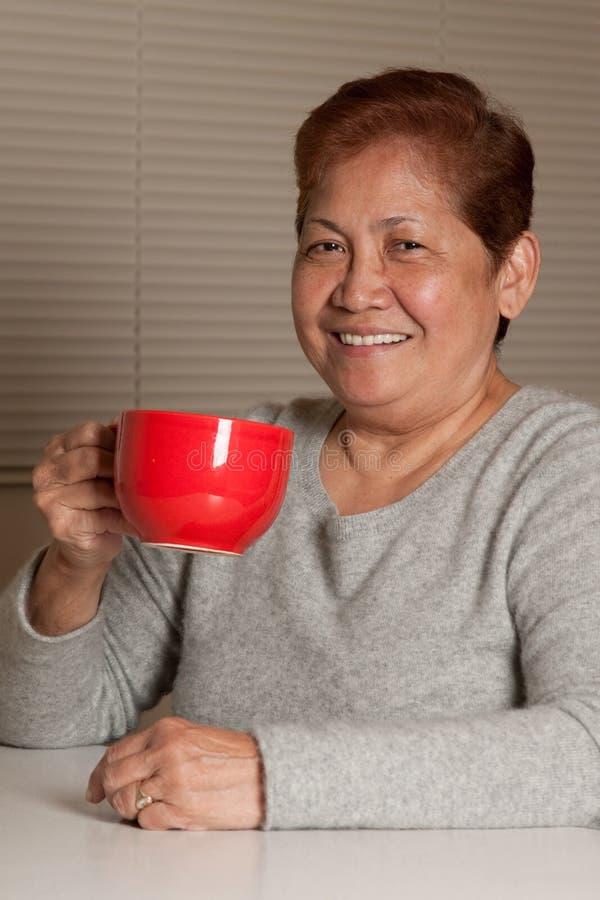 有的咖啡妇女