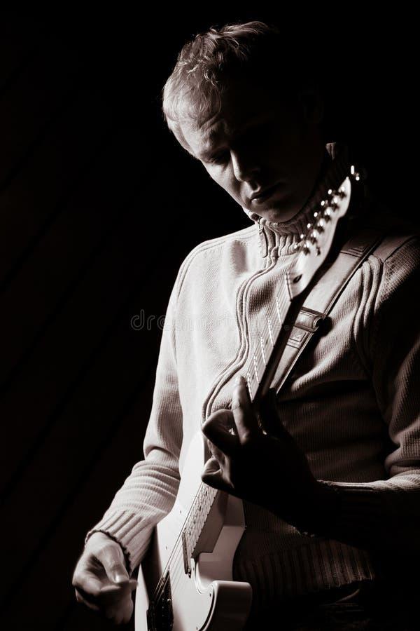 有的Gitarist A独奏 图库摄影