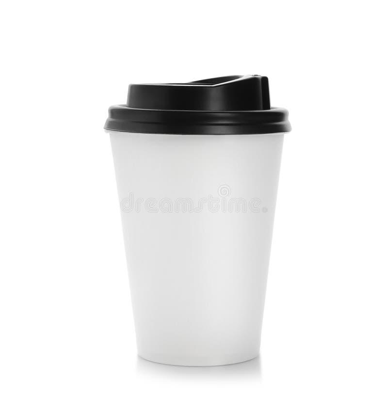 有盒盖的外带的纸咖啡杯在白色背景 免版税库存图片