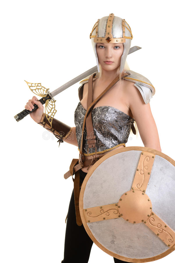 有盔甲和盾的被隔绝的女性战士 免版税图库摄影