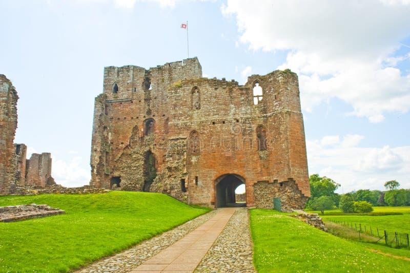 有盖马车在penrith附近的城堡堡垒 图库摄影片