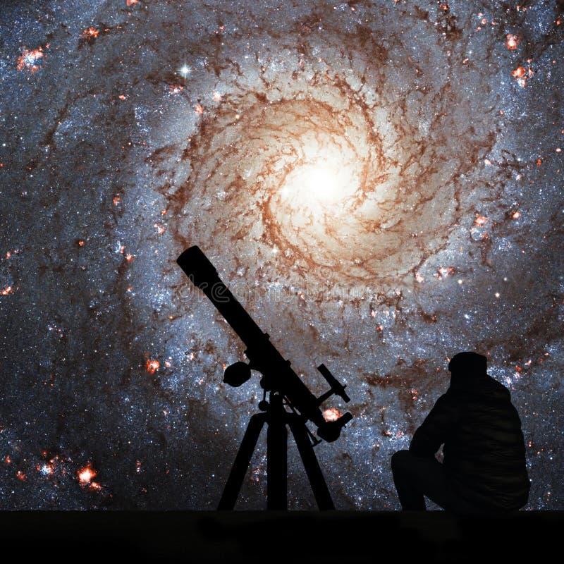 有看星的望远镜的人 更加杂乱74, NGC 628 免版税库存照片