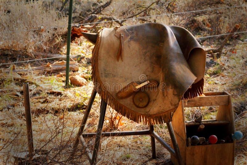 有破裂的钉马掌铁匠工具 库存图片