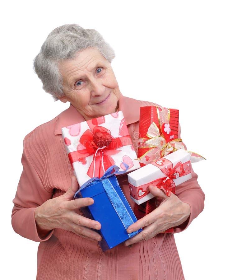 有礼物的祖母 免版税图库摄影