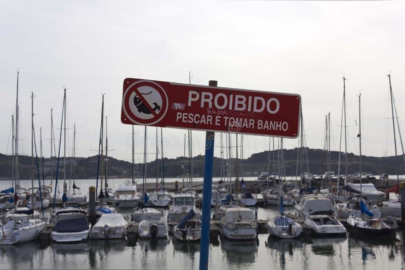 有禁止的警告站点对钓鱼 图库摄影