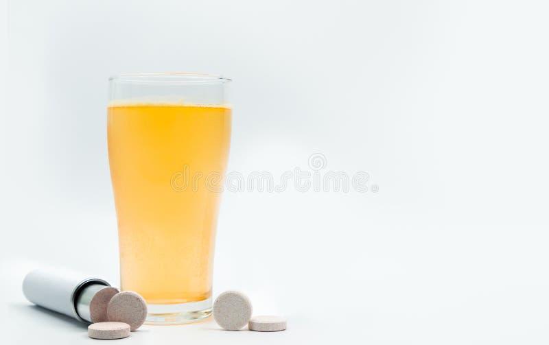 有空白的标签的冒泡片剂管和桔味 免版税图库摄影