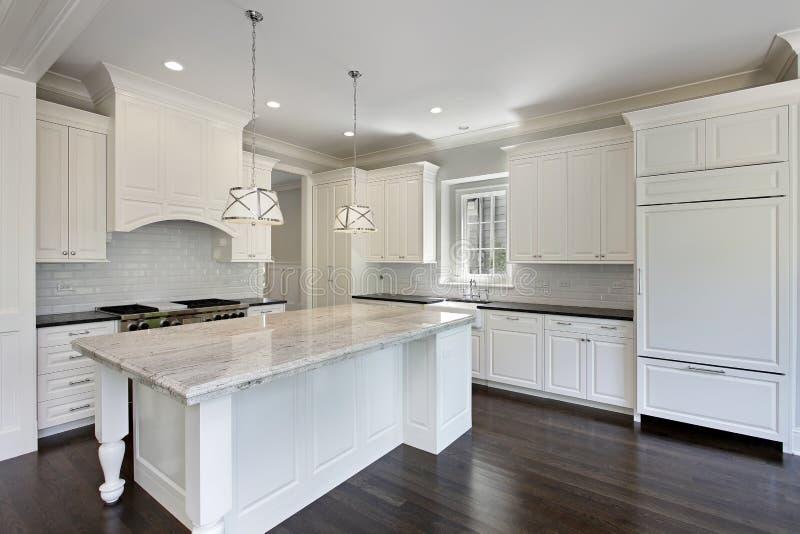 有空白细木家具的厨房 免版税库存图片