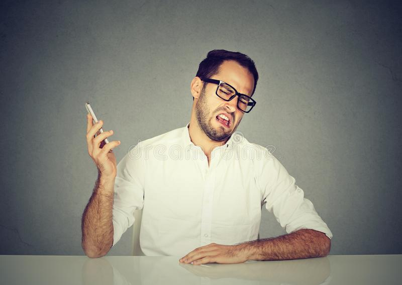 有粗鲁的人电话 免版税库存图片