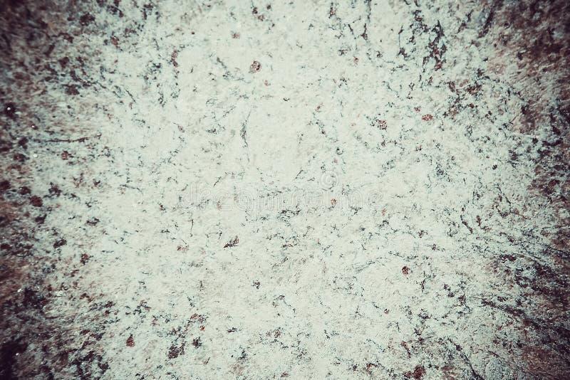 有紫色颜色质感粗糙的表面的大理石自然瓦片  库存照片
