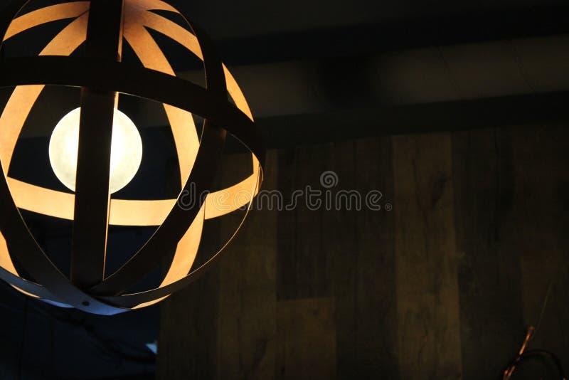 有细节的现代灯在电灯泡 免版税库存照片
