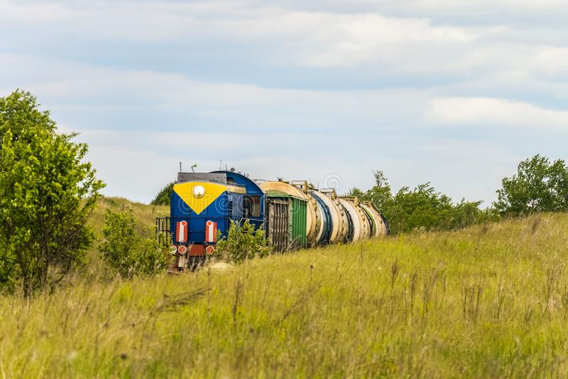 有罐车的活动火车 库存图片