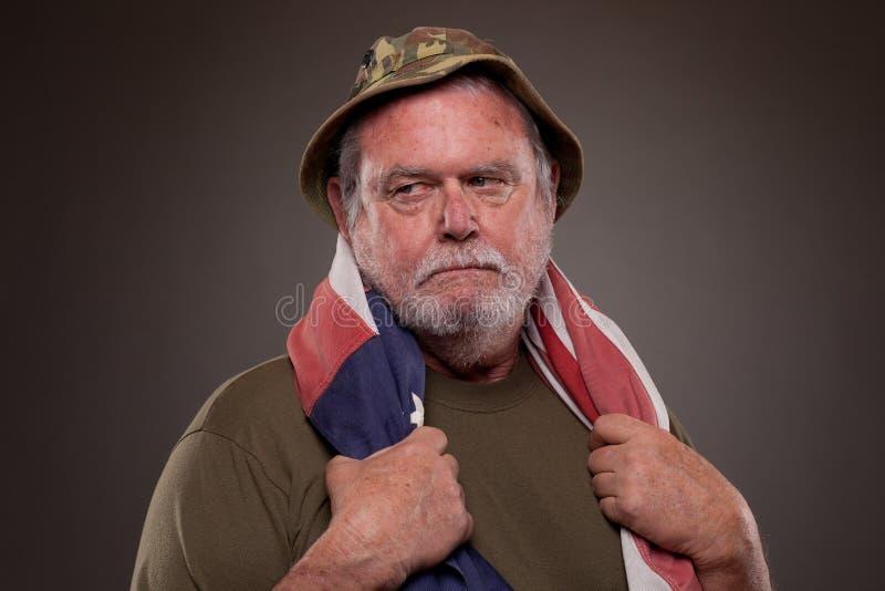 Download 有美国国旗的越南退伍军人 库存照片. 图片 包括有 水平, 摆在, 题头, 射击, 严重, 大使, 爱国心 - 30326754