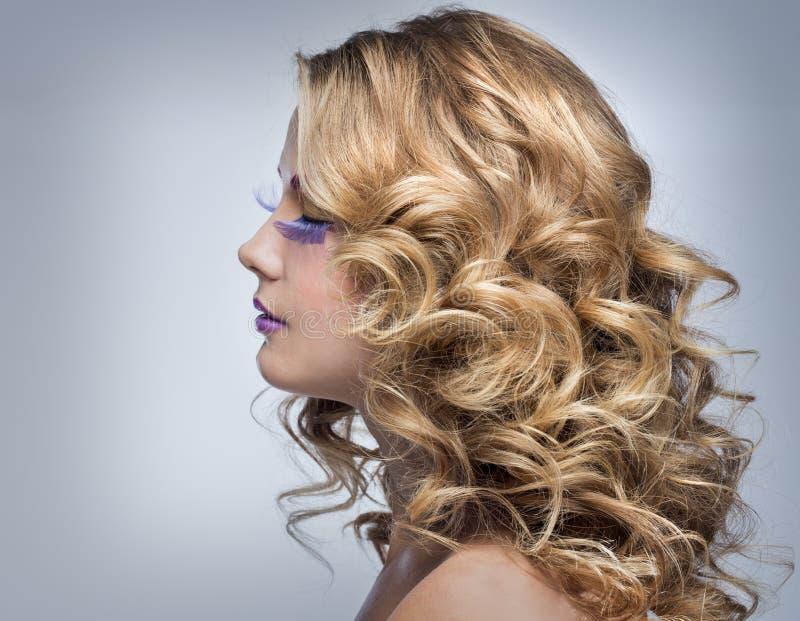 有美好的发型的妇女 库存照片