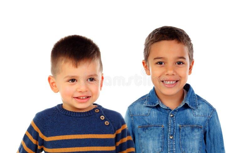 有美好的微笑的两个孩子 免版税库存照片