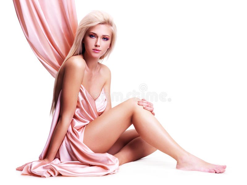 有美好的身体的肉欲的少妇 免版税库存照片